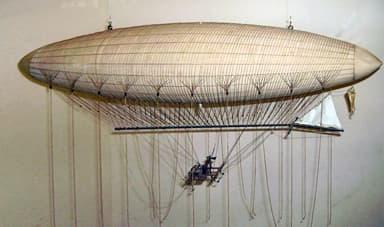 A model of the Giffard Airship at the London Science Museum