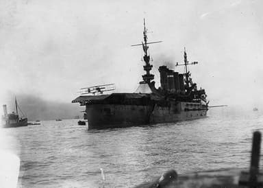 Ely landing his plane on board the USS Pennsylvania in San Francisco Bay