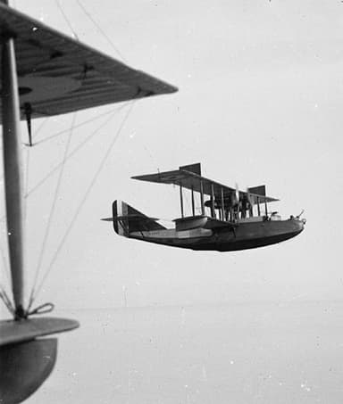 Felixstowe F.2A in Flight