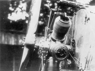 First Version of the Fokker Synchronization Gear