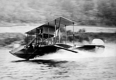 Gustave Maurice Heckscher in his Curtiss Seaplane at 60 MPH (1912)