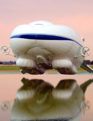 Sky Kitten Demonstrator Flies at Cardington (2006)
