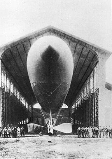 The 1884 La France, the first fully controllable airship