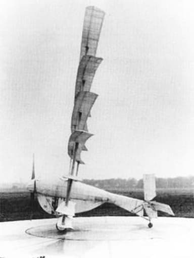 The Gerhardt Cycleplane: World's First Successful Human-Powered Aircraft