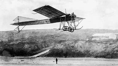 The Mercury I Monoplane (50hp Isaacson) flying at Filey in 1911