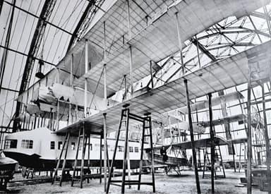 Transaero under Construction (Note Gianni Caproni on Left Side Outrigger)