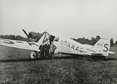 Junkers W-33 Launches Night Air Mail Flights Between London and Stockholm